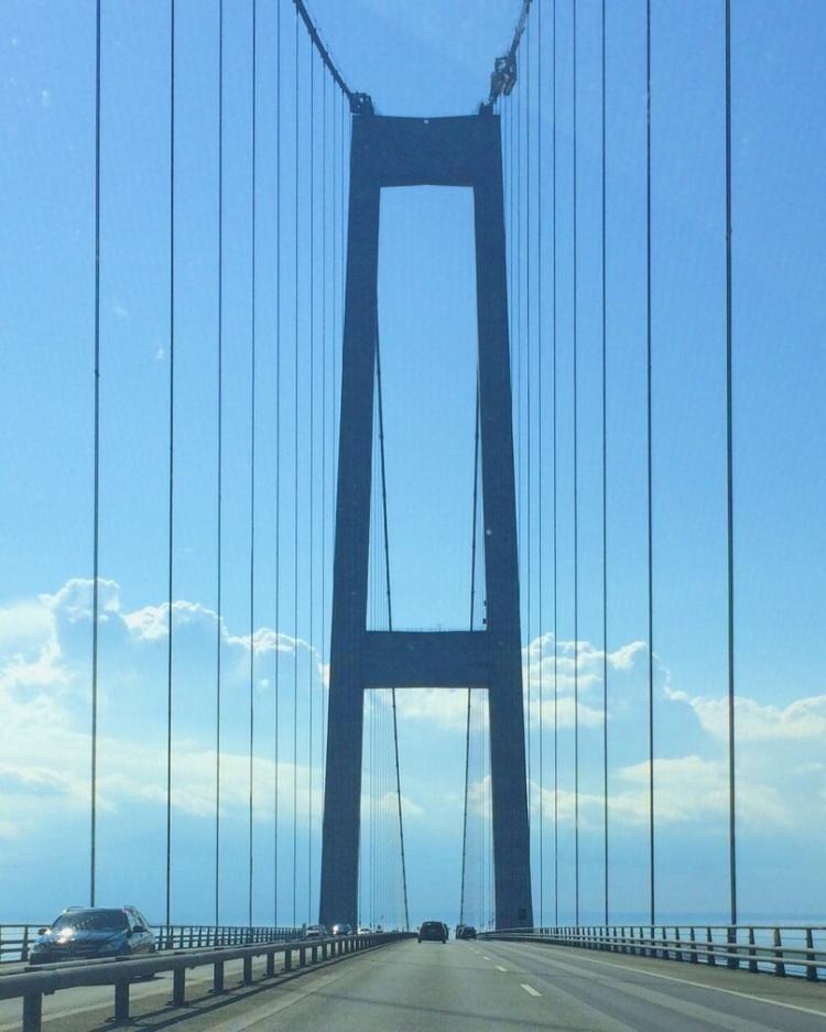 Crossing Storebæltsbroen